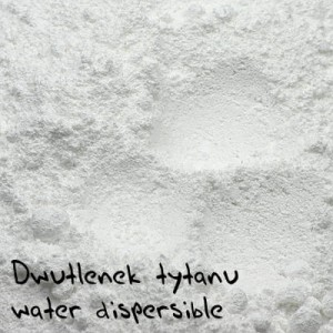 Dwutlenek tytanu water dispersible